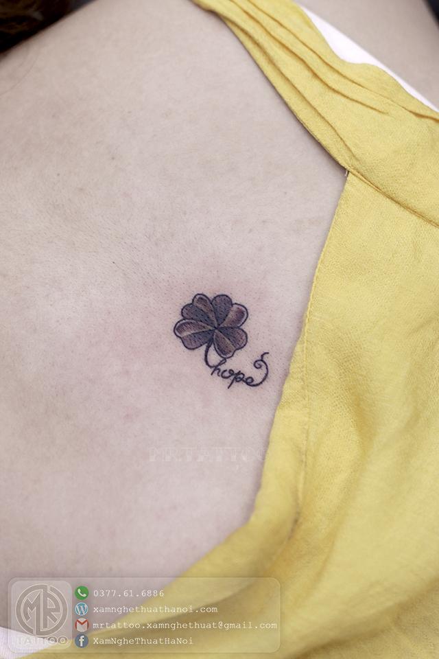 Hình xăm cỏ may mắn - Hình Xăm Nhỏ tại Mr.Tattoo - Những mẫu xăm nhỏ đẹp nhất 1.