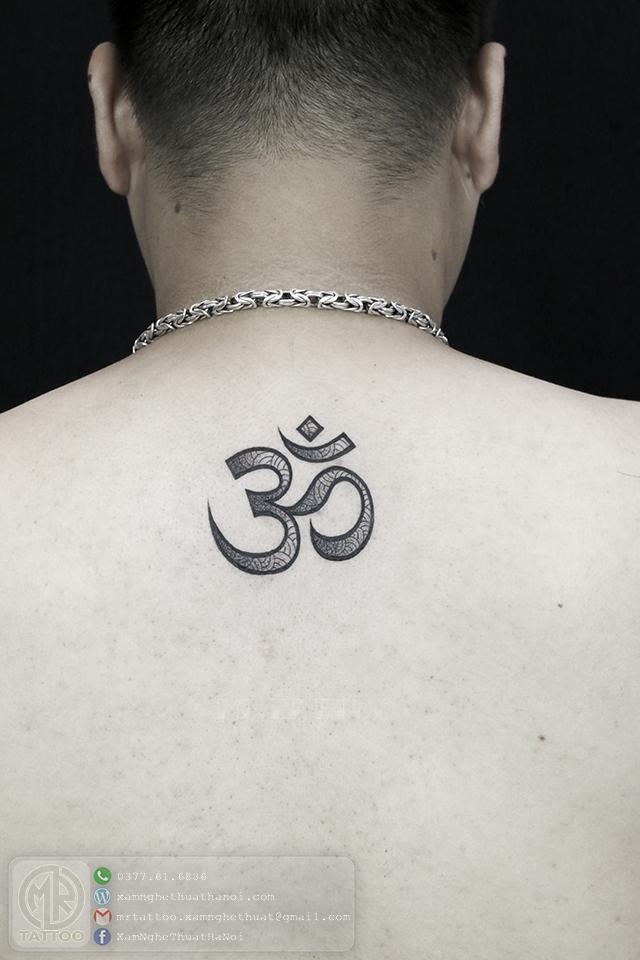 Hình xăm chữ OM - Hình Xăm Nhỏ tại Mr.Tattoo - Những mẫu xăm nhỏ đẹp nhất 1.