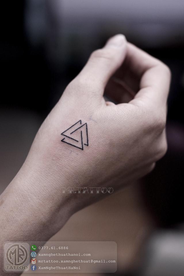 Hình xăm tam giác 2 - Hình Xăm Nhỏ tại Mr.Tattoo - Những mẫu xăm nhỏ đẹp nhất 1.